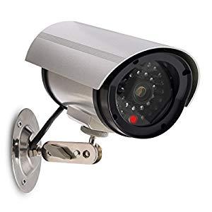 kwmobile Kamera Dummy Überwachungskamera Attrappe – Fake Camera mit rotem LED Licht – täuschend echt für Wand Decke – nötig 2xAA Batterie – Super Kamera, auch wenn sie nicht echt ist, sie wirkt aber echt.